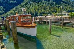 Круиз шлюпки озера Konigsee Стоковая Фотография