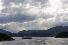 круиз patagonian шлюпки залива Стоковое фото RF