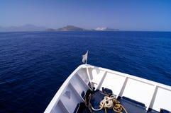 Круиз ` s корабля на море в Греции Стоковая Фотография