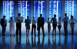 Крупного аэропорта перемещения бизнесмены концепции отклонения Стоковое Фото