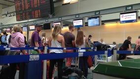 Крупный аэропорт акции видеоматериалы