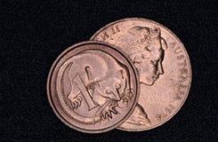 Крупный план австралийской монетки 1 и 2 центов Стоковая Фотография RF