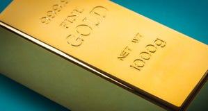 Крупный план бара золота стоковое изображение rf