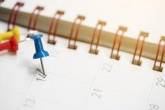 Крупный план дат на планировании страницы календаря Стоковое Изображение