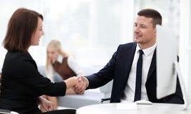 Крупный план делового партнера женщин рукопожатия дела Концепция дела Стоковое Изображение RF
