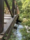 Крупный план деревянного моста стоковые изображения rf