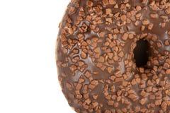 Крупный план донута со сливк отбензинивания шоколада стоковая фотография rf