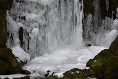 Крупный план замороженного водопада в Касселе, Германии Стоковая Фотография