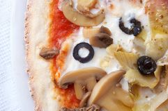 Крупный план итальянской пиццы стоковые изображения rf