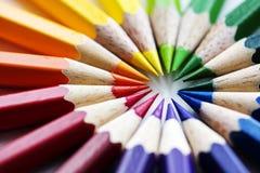 Крупный план красочных канцелярских принадлежностей карандаша цвета Стоковые Изображения RF