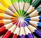 Крупный план красочных канцелярских принадлежностей карандаша цвета Стоковые Фотографии RF