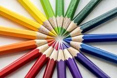Крупный план красочных канцелярских принадлежностей карандаша цвета Стоковое Изображение RF