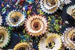 Крупный план красочных канцелярских принадлежностей карандаша цвета Стоковое Фото