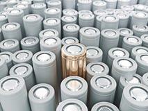 Крупный план кучи золота батарей li-иона Закройте вверх по красочным строкам выбора предпосылки конспекта энергии 18650 батарей Стоковая Фотография RF