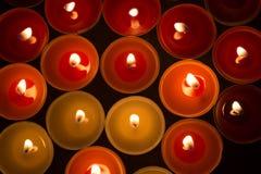 Крупный план к горящим tealights Стоковые Фотографии RF