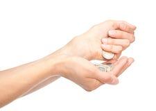Крупный план людских рук подсчитывая монетки Стоковое фото RF