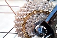 Крупный план механизма и цепи шестерней велосипеда Стоковая Фотография