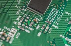 Крупный план монтажной платы радиотехнической схемы с процессором Стоковое Изображение RF