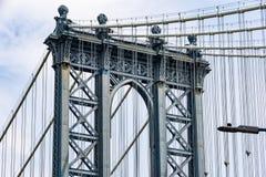 Крупный план моста Манхэттена стоковые фото