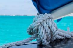 Крупный план на плавать веревочка стоковое изображение