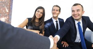 Крупный план партнеров рукопожатия дела Стоковые Фотографии RF