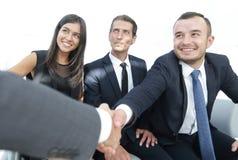 Крупный план партнеров рукопожатия дела Стоковое Изображение RF