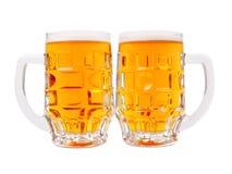 крупный план пива mugs взгляд Стоковые Изображения