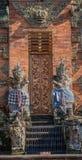 Крупный план предохранителей на Kori Agung на виске Batuan, Ubud, Бали Индонезии стоковая фотография