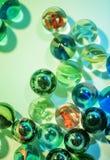 Крупный план снятый стеклянных мраморов Стоковые Изображения