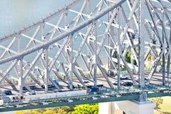 Крупный план современного моста металла над рекой стоковое изображение rf