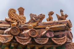Крупный план статуй на угле крыши, запретного города Пекина Стоковые Фотографии RF