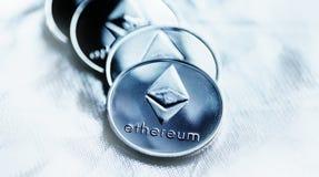 Крупный план cryptocurrency монетки ethereum стоковая фотография