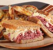 крупный план reuben сандвич Стоковая Фотография RF