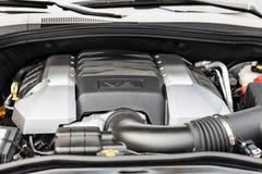 Крупный план автомобиля V8 мотора мощный стоковые фото