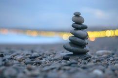 Крупный план башни камешков моря Стоковые Изображения RF