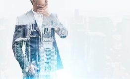 Крупный план бизнесмена и города, влияния фильма Стоковая Фотография