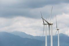 Крупный план ветротурбин стоковые фото