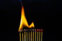 Крупный план горящих спичек Стоковое Фото