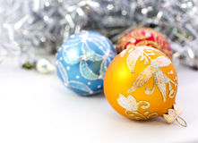 Крупный план голубых шариков рождества Стоковое фото RF