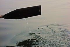 Крупный план деревянного весла Стоковые Фото