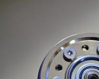 Крупный план жёсткого диска компьютера с эпицентром деятельности шпинделя Стоковое Изображение RF