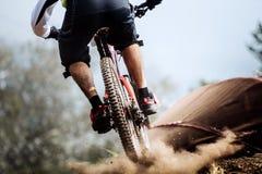 Крупный план заднего колеса гонщика крайности велосипеда Стоковое фото RF