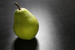 Крупный план зеленой груши Стоковые Фото