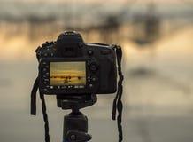 Крупный план камеры на треноге outdoors Ландшафт предпосылки из фокуса Стоковые Изображения