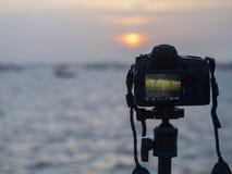Крупный план камеры на треноге outdoors Ландшафт предпосылки из фокуса Стоковое Фото