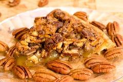 Крупный план куска пирога с орехами Стоковые Фото