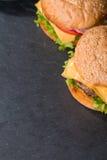 Крупный план классического бургера Стоковая Фотография