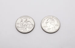 Крупный план к символу положения Калифорнии на монетке квартального доллара на белой предпосылке Стоковое фото RF