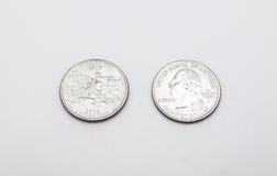 Крупный план к символу положения Миссиссипи на монетке квартального доллара на белой предпосылке Стоковое Изображение