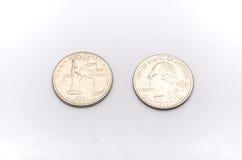 Крупный план к символу штат Нью-Йорк на монетке квартального доллара на белой предпосылке Стоковые Изображения